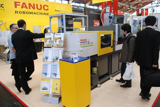FANUC demonstrates two-component technology and automated manufacturing cells for sustainable injection moulding quality