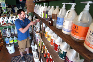 Local business aims to reduce plastic waste