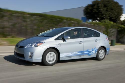 EV Battery Market Could Hinge on Plug-In Hybrid Success