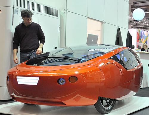 3D-Printed Hybrid Car Drives Toward Mass Production