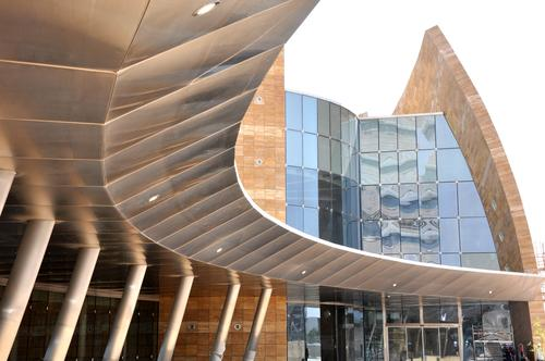 Architects Make Curves With Carbon Composites