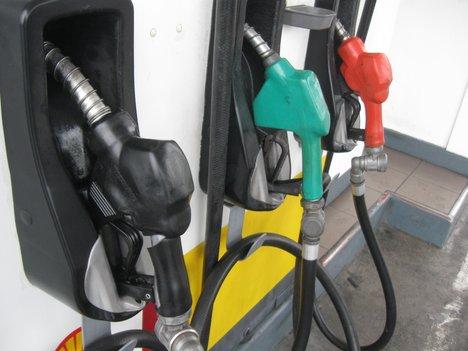 Oil below $99 amid signs US crude demand improving