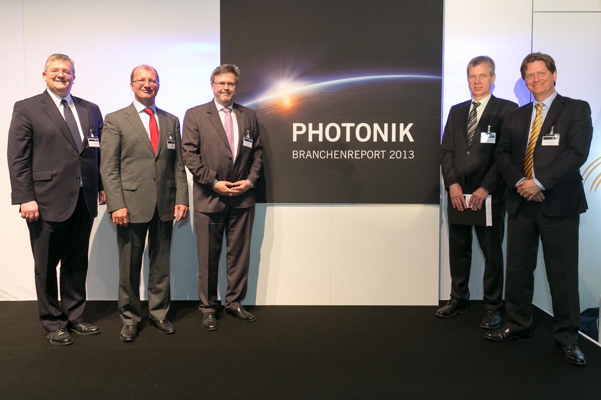 "VDMA: New ""Photonics Industry Report 2013"" presented"