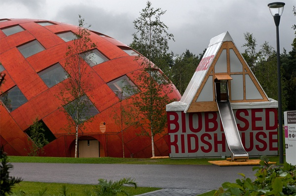Purac supports Biobased Kidshouse with PLA roof insulation