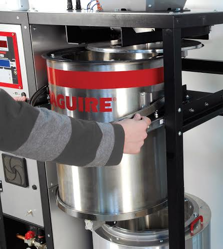 Vacuum dryer promises increased molding productivity