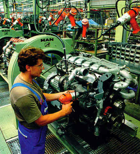 Manufacturing work 'is returning to UK'