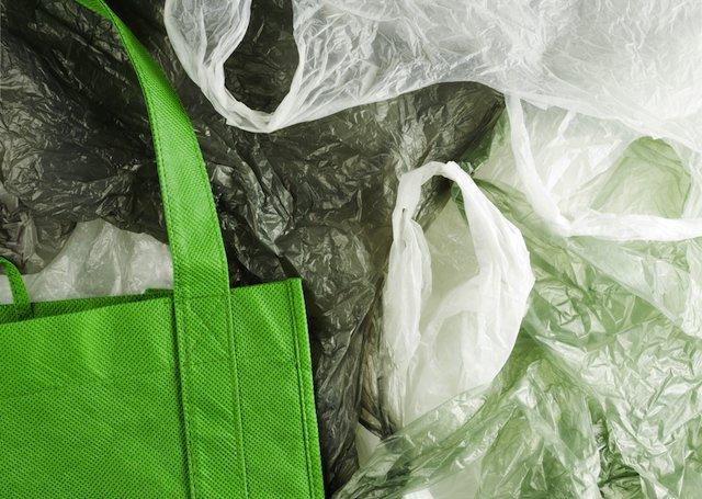 L.A. City Council Approves Plastic Shopping Bag Ban